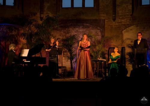 """mit Ensemble """"Liebesträume mit Franz Liszt"""" (Jahr)"""