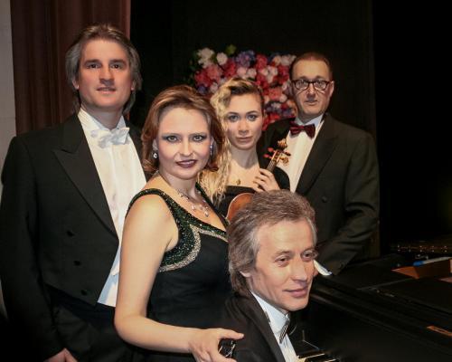 """mit Ensemble """"Walzerkönige"""" (2014)"""